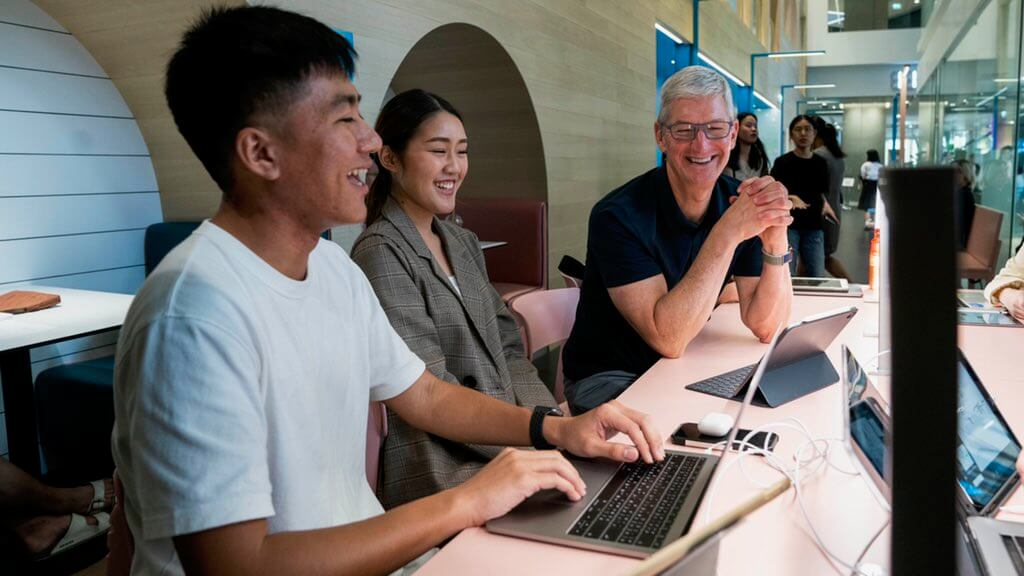 Tim Cook Tailandia Hero