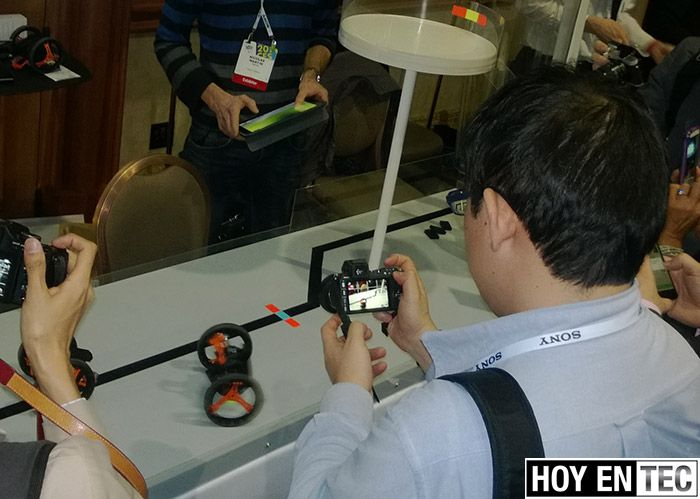 CES-2014---Parrot-Jumping-Sumo