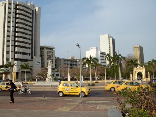 Taxis-Uber-Viajes-Imperial-Movip-transporte-aplicaciones
