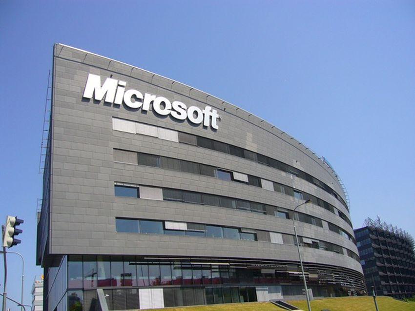 Microsoft cierra una fábrica dejando a más de 2.300 de personas sin empleo