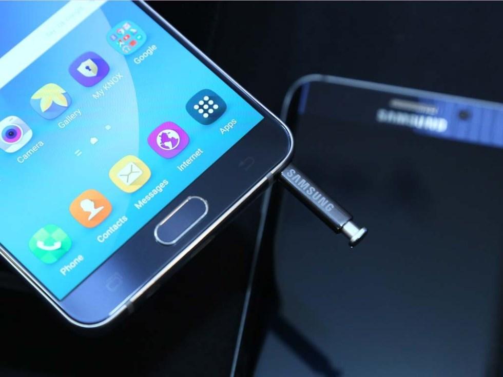 Samsung introdujo el metal en su nuevo Galaxy Note 5.