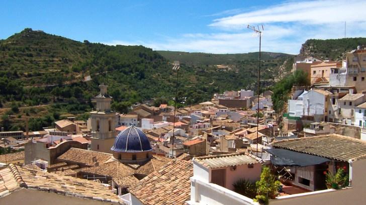vista pueblo desde castillo
