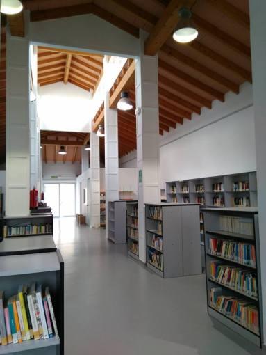 Biblioteca Yatova 2