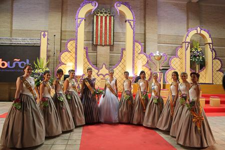 La presentación de la reina de las fiestas en imagenes