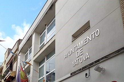 Yátova redirecciona los recursos municipales para cubrir las necesidades actuales de la población