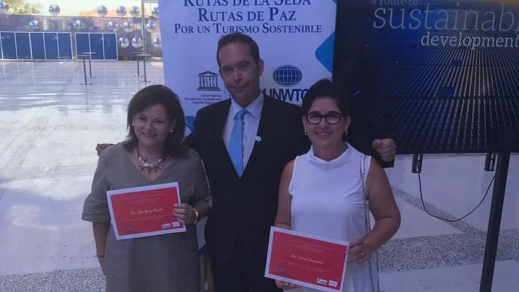 Buñol recibe el reconocimiento a su compromiso con el Instituto Seda España
