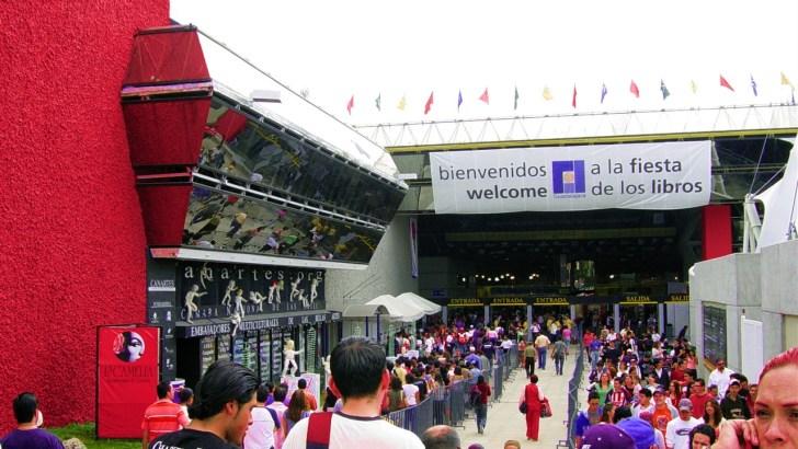 La escritora buñolense Emi Zanón viaja a México a la Feria Internacional del Libro de Guadalajara