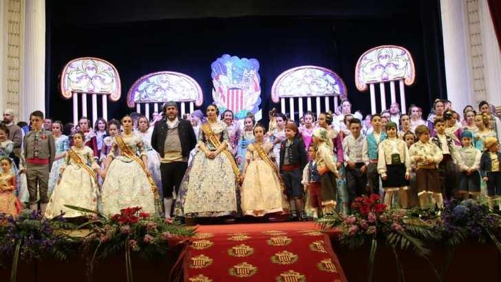 Estela López y Cristina Parla se convierten en nuevas Falleras Mayores de la comisión de Las Ventas de Buñol