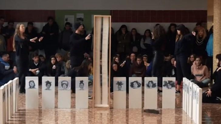 """El IES La Hoya de Buñol estrena el vídeo de la performance """"Cuando muera"""""""