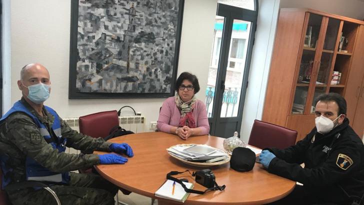 Ejército de Tierra y Policía Local de Buñol estudian formas de colaboración conjunta en esta crisis