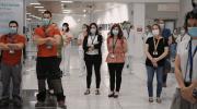 Manises guarda un minuto de silencio en honor a las víctimas afectadas por el coronavirus