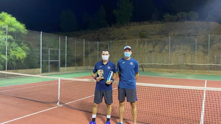 El tenis se incorpora a la semana deportiva de Buñol