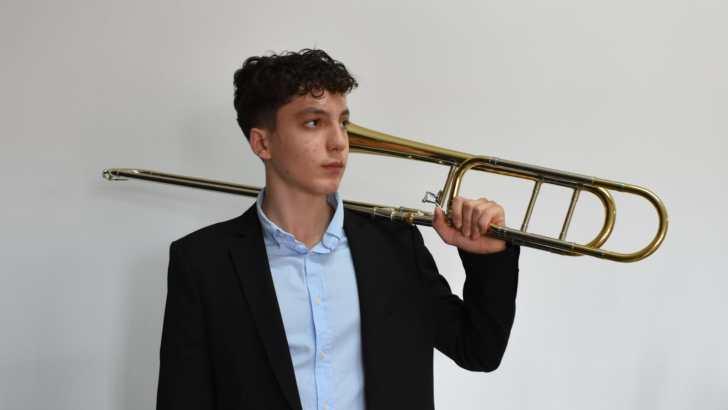 El trombonista buñolense Antonio Galán gana el King's Peak International Music Competition