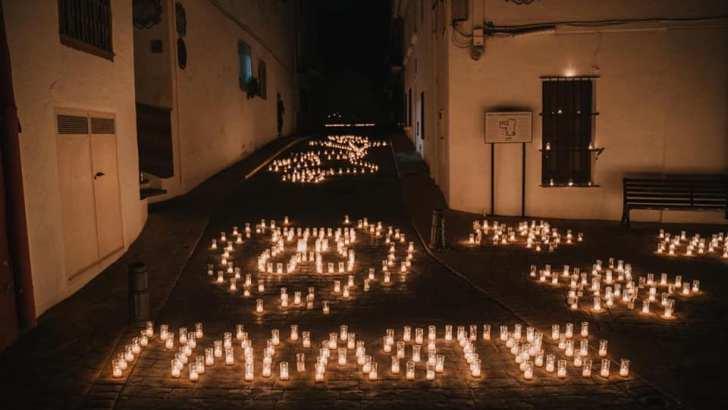 Las espectaculares imágenes de «La Noche de las velas» en Macastre