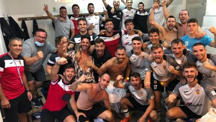 El CD Buñol logra los tres primeros puntos de la temporada ante el Utiel (2-0)