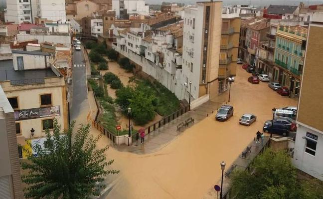 Las fuertes lluvias de las últimas horas causan problemas en Chiva