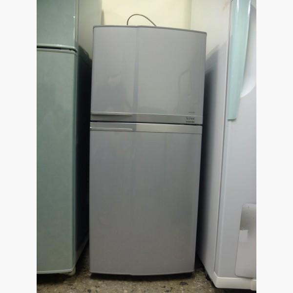 二手冰箱出售.東芝 120公升 小雙門冰箱 - 591居家/家具