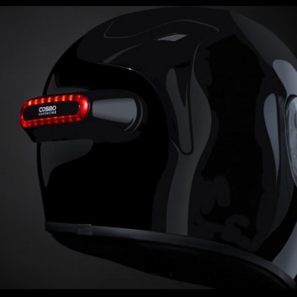 cosmo-connected-cosmo-moto-helmet-brake-and-security-light-