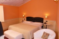 san luca 7- comfort room