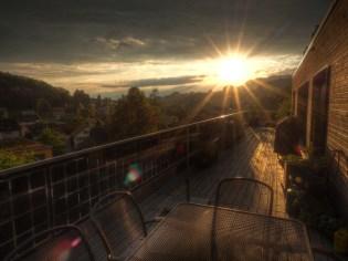 letzte Sonnenstrahlen im Frühsommer