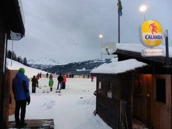 Traditionelles Eisstockturnier auf Natureis
