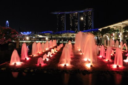 "Vollmond ""im"" Marina Bay Sands"