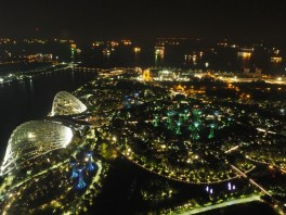 Gardens by the Bay mit elegantem Flower Dome & Cloud Forest