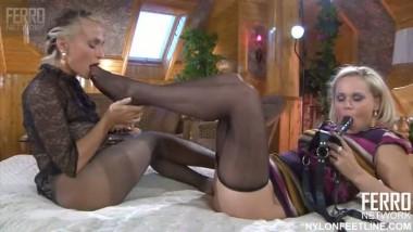 nylon foot fetish