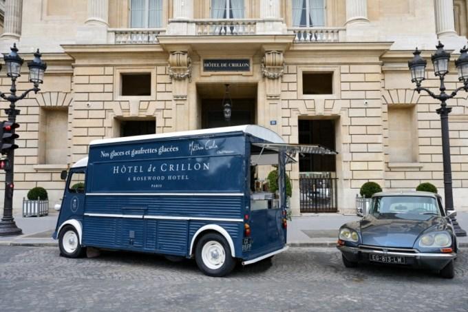 L'Hôtel de Crillon place sur la Concorde son ice-cream Truck Citroën