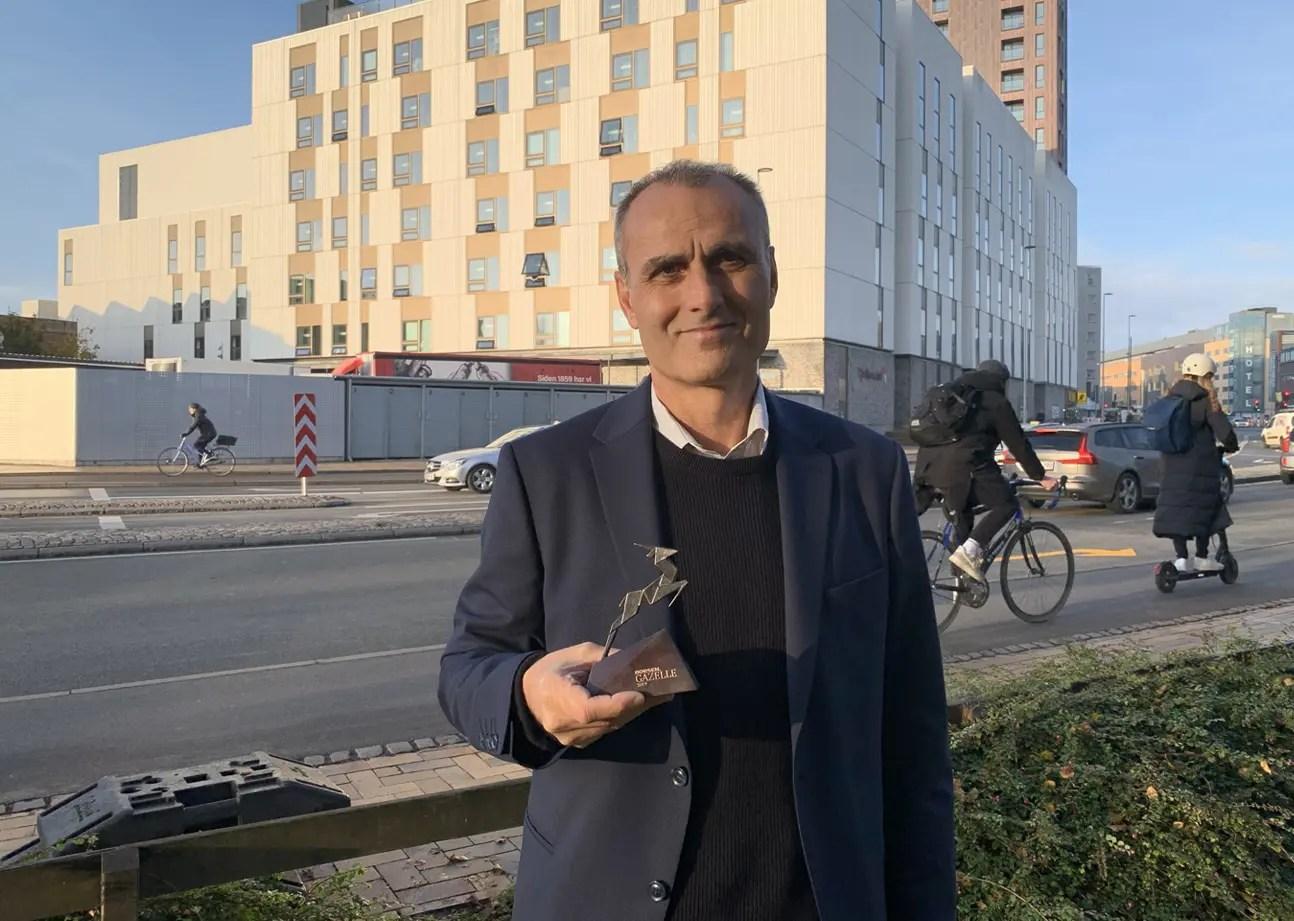 HR-ONs direktør Ali Cevik med gazellepris nummer 2