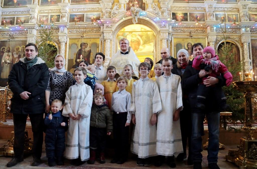 Дети приняли участие в рождественских богослужениях.