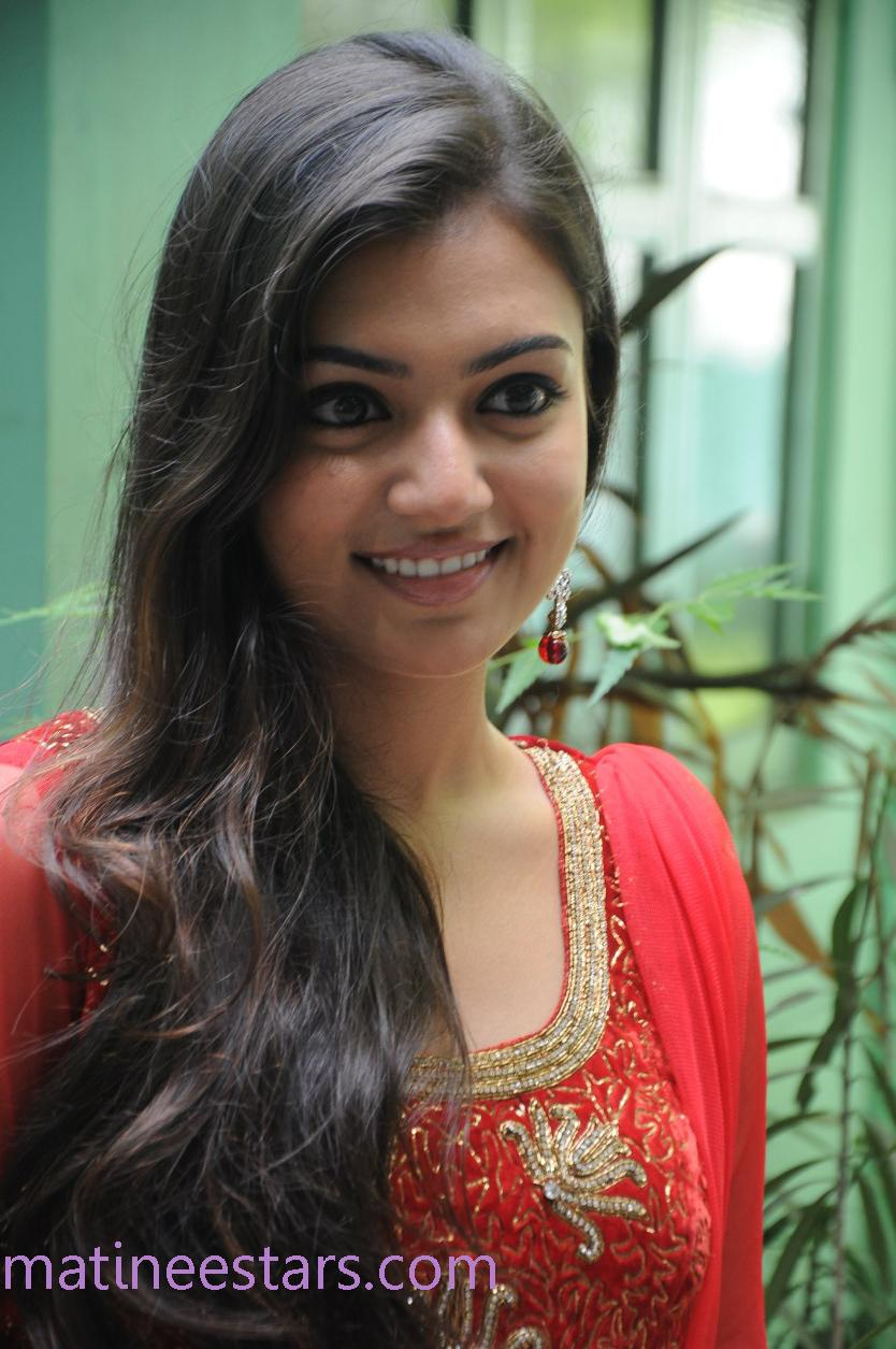 Cute I Love U Wallpaper Hd Nazriya Nazim Photo Gallery Hridhayakavadam