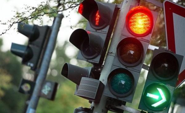 Луцькі світлофори хотіли ремонтувати за найвищою ціною. Активісти завадили