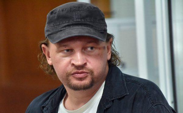 Чоловік, який захопив автобус у Луцьку, постане перед судом — йому інкримінують 7 статей Кримінального кодексу