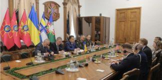 Министр обороны Украины встретился с сенатором США