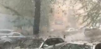 В Румынии град побил десятки машин. Видео