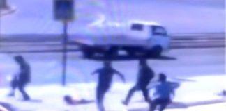 В России камера засняла, как батут с детьми унесло ветром. Видео