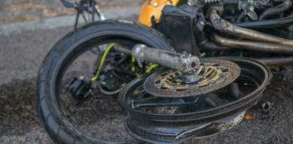 Смертельное ДТП в Днепре: столкнулись Nissan и мотоцикл