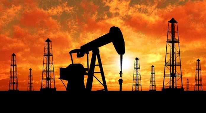 Китай отказывается покупать загрязненную хлоридами нефть изРоссии | Китай Нефть Россия | АФН