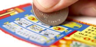 В США мужчина 10 лет играл в лотерею с одной комбинацией цифр и выиграл