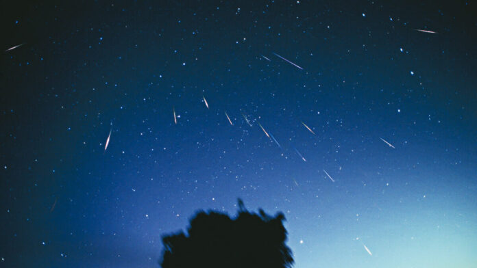 Two Meteor Showers Will Be Lighting Up the Sky Tonight