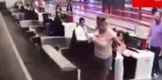 Женщина пыталась попасть в самолет по багажной ленте. Видео