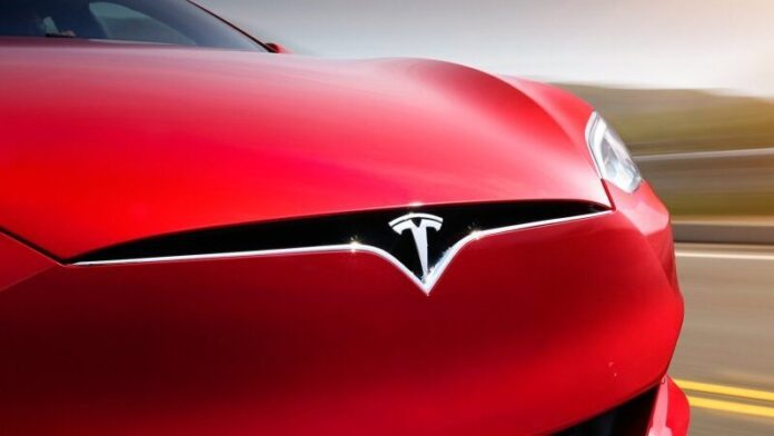 Tesla claims record at Laguna Seca in modified Model S