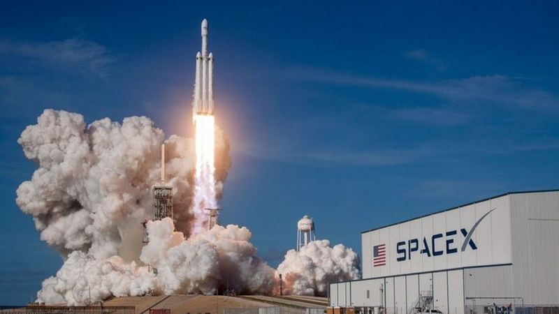 SpaceX plan to send tourists into space at the end of 2021