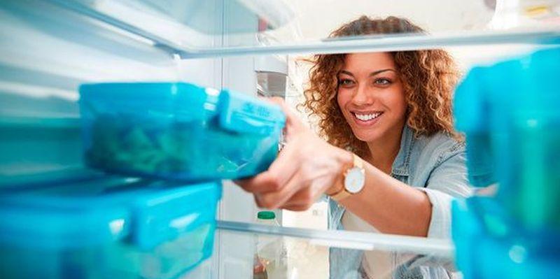 Названы продукты, которые можно хранить в морозилке