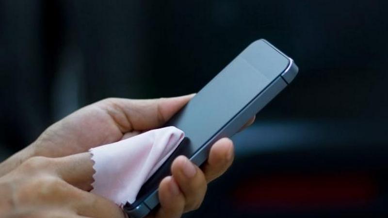 Как правильно дезинфицировать смартфон