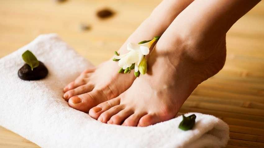 Отеки ног летом: как избавиться от проблемы