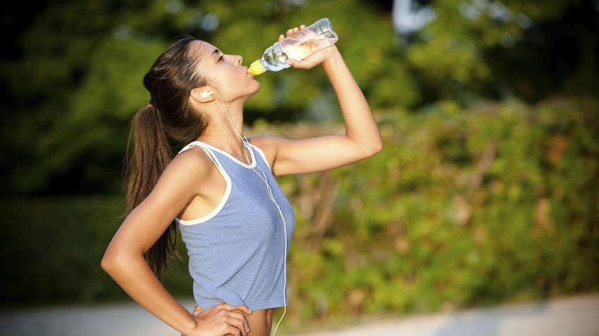 Эксперты рассказали, как помочь организму легче переносить жару