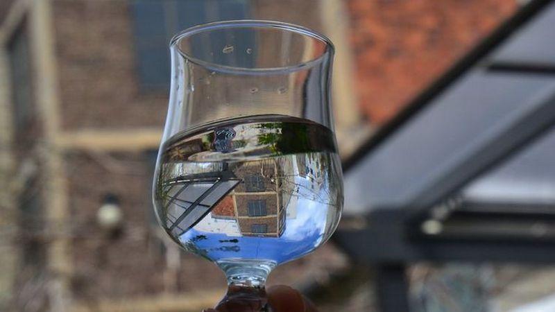 В Минздраве рассказали, сколько воды нужно пить летом