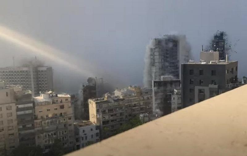 Взрыв в Бейруте показали в замедленной съемке. Видео —